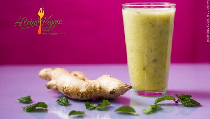 suco-de-abacaxi-com-hortela-e-gengibre